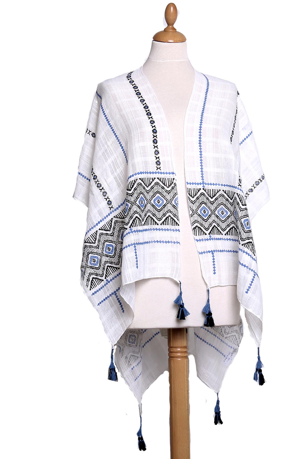 Poncho foulard bleu ethnique pompons