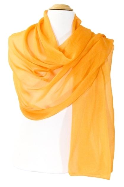 etole-en-soie-orange-doux-2-min