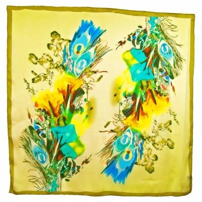 Carré de soie vert plumes 105 x 105 cm premium