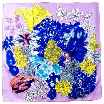 Foulard en soie satin parme bouquet premium 90 x 90 cm