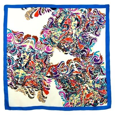 Foulard en soie satin bleu volutes premium 90 x 90 cm