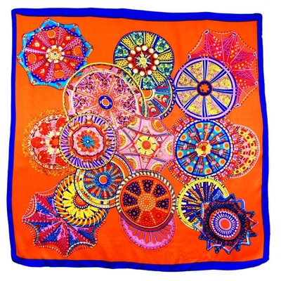 Foulard en soie carré orange mandalas 85 x 85 cm