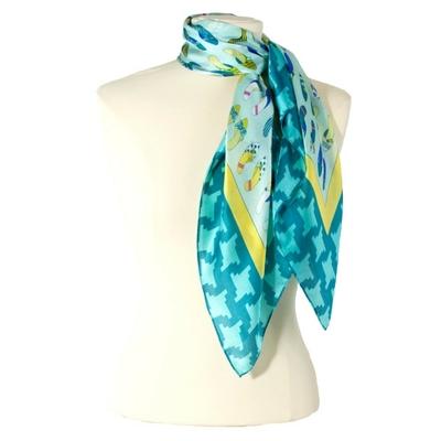 Carré de soie foulard  vert imprimé chaussures 85 x 85 cm