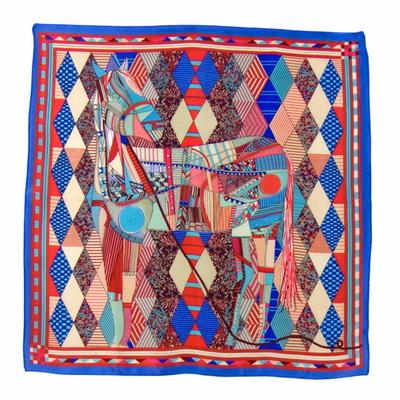 Carré de soie foulard bleu patchy 50x50 premium