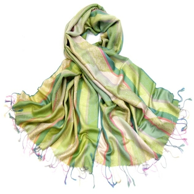 etole-pashmina-rayures-et-motifs-vert-tendre-etf112-2-min