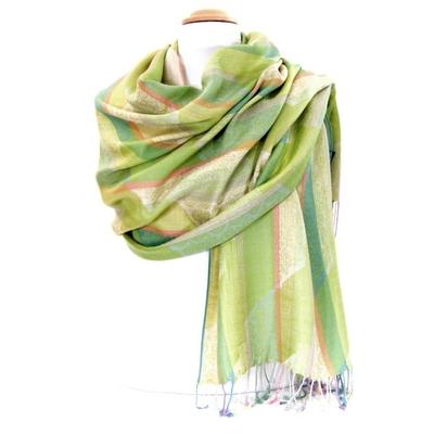 Etole pashmina rayures et motifs vert tendre