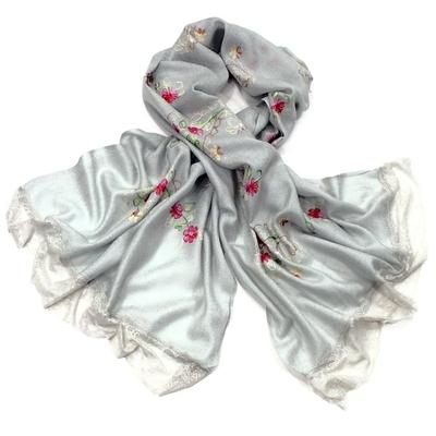 Etole brodée fleurs ninel gris doux