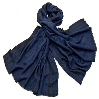 Etole laine fine bleu marine tissée avec rayures