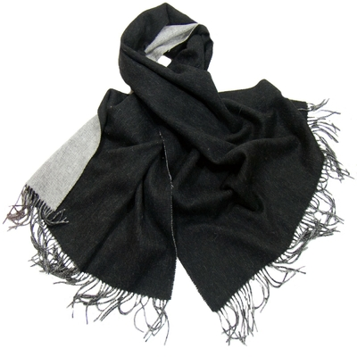 Etole en laine deux faces noir et gris