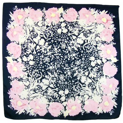 Carré de soie rose Flora