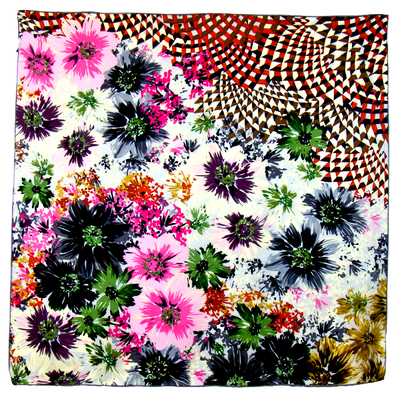 Foulard en soie satin rose bouquet premium 90 x 90 cm