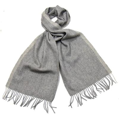 Echarpe en laine gris clair rayure