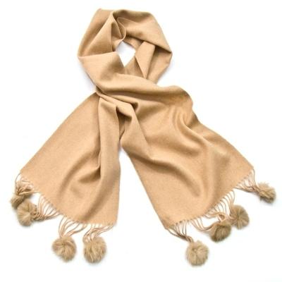 Echarpe beige crème en laine pompons fourrure