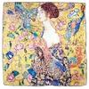 carré de soie la classe la dame à l'éventail Gustave Klimt 1-min