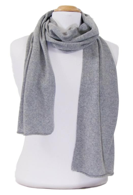 écharpe en cachemire gris clair 3-min
