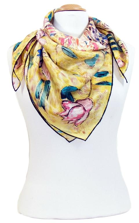 carré de soie la classe la dame à léventail Gustave Klimt 2-min