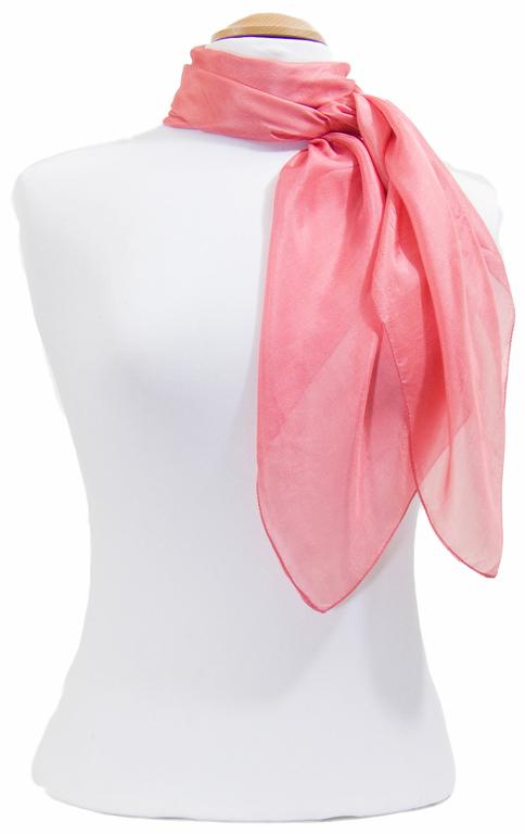 carré en soie rose   2
