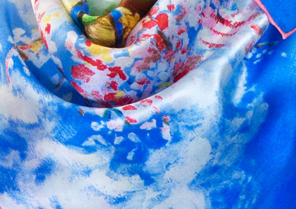 carré en soie Le Pêcher en fleurs bleu Van gogh 3