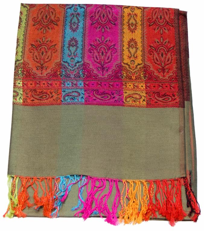 étole vert kaki pashmina motifs 1