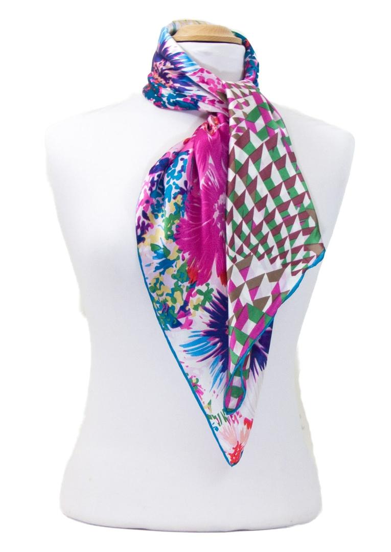 foulard carré de soie rose florie 2-min