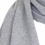 écharpe en cachemire gris clair 2