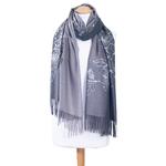 chale en laine brodé gris pour femme