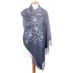 chale gris brodé en laine pour femme
