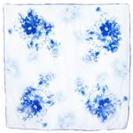 foulard carré  en soie bleu pivoines