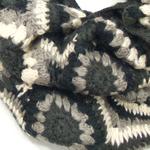 snood maille crochet palme gris SNO26 2