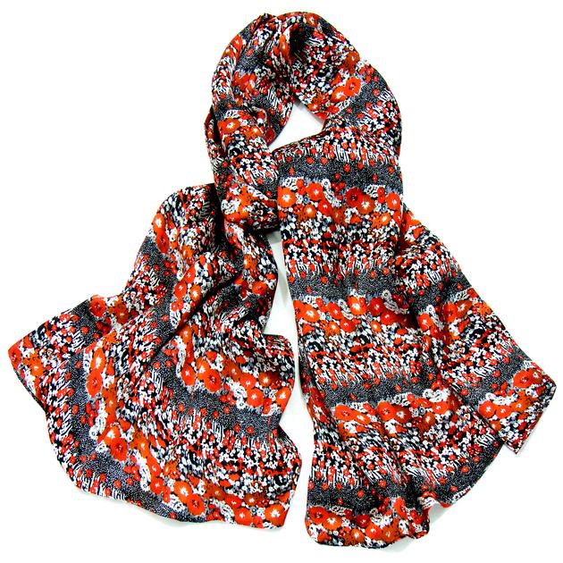 echarpe en soie double face fleurs rouge liberty foulard foulard soie mes echarpes. Black Bedroom Furniture Sets. Home Design Ideas