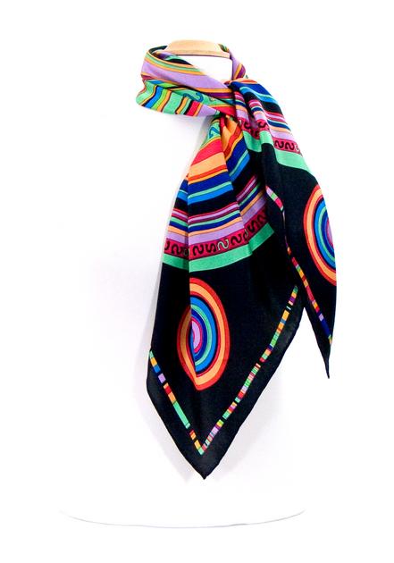 foulard en soie noir cercle premium CSGP-FAN 18 2