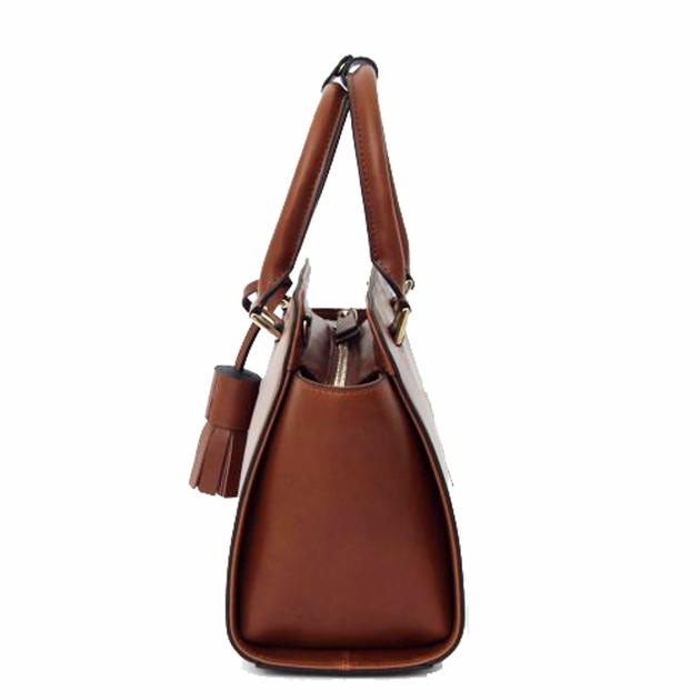 sac en cuir femme beige camel pompon 3