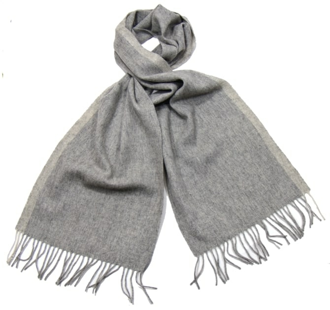 b43114233d80 Echarpe en laine grise femme   Kiosque famille
