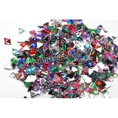 STRASS - Forme - TRIANGLE 3mm x 100