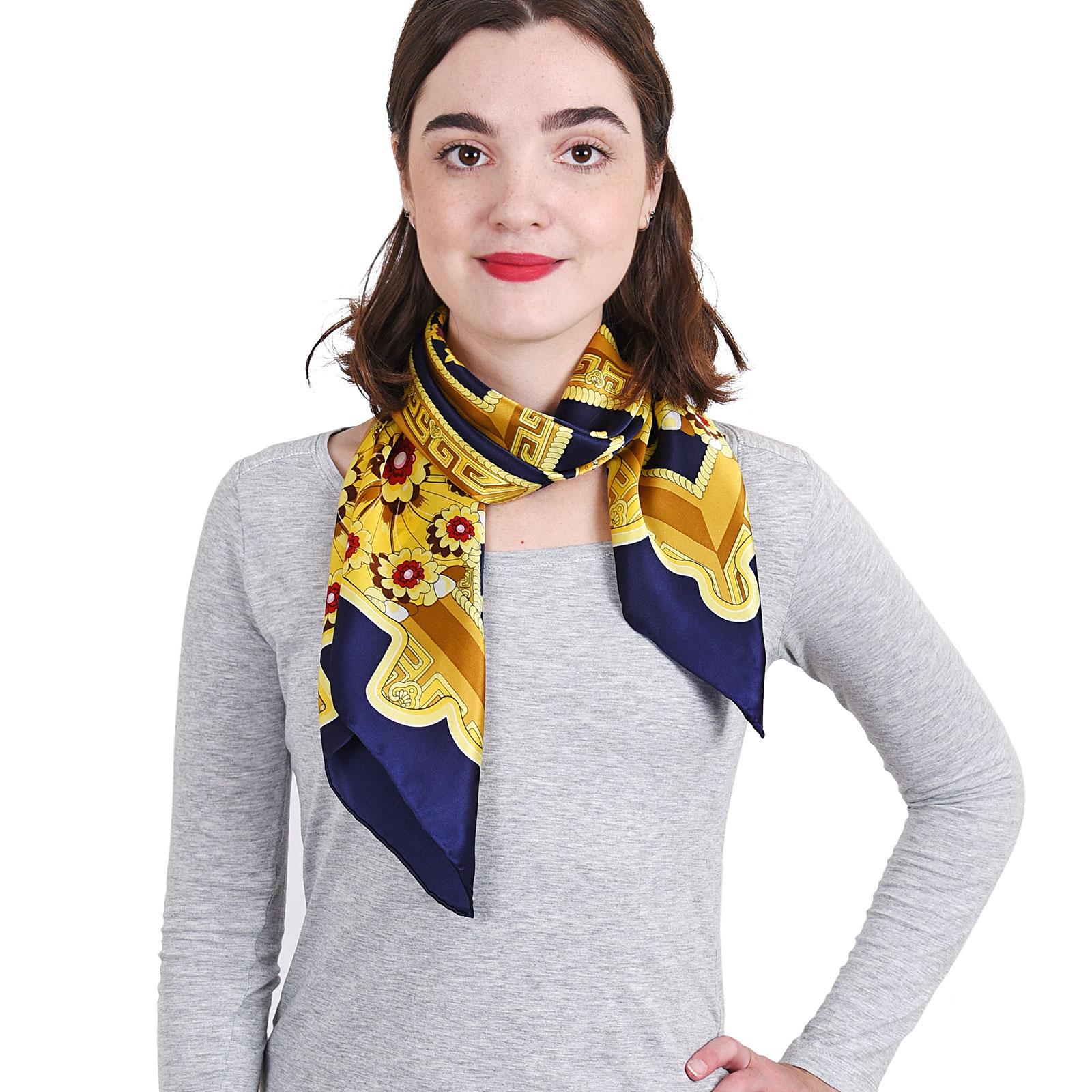 AT-04055-VF16-P-foulard-carre-soie-marine-jardin-de-fleurs