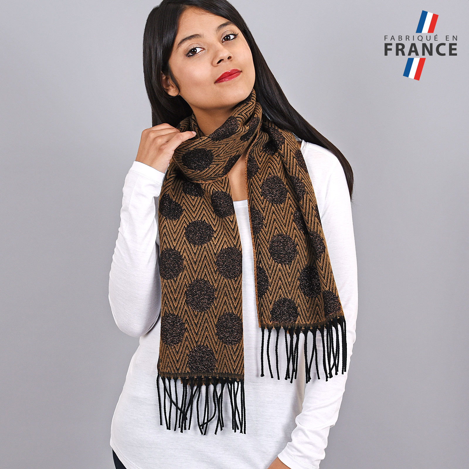 AT-03946-VF16-FR-echarpe-pois-marron-paillettes