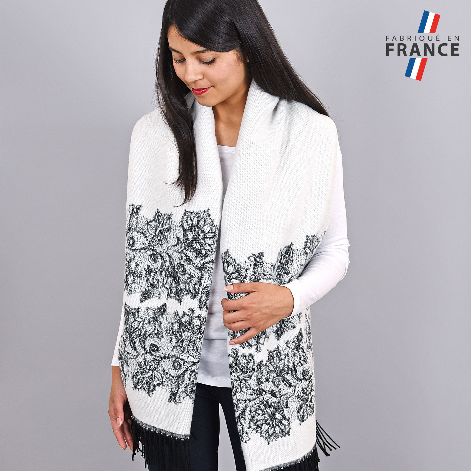 AT-03954-VF16-2-FR-chale-femme-hiver-blanc
