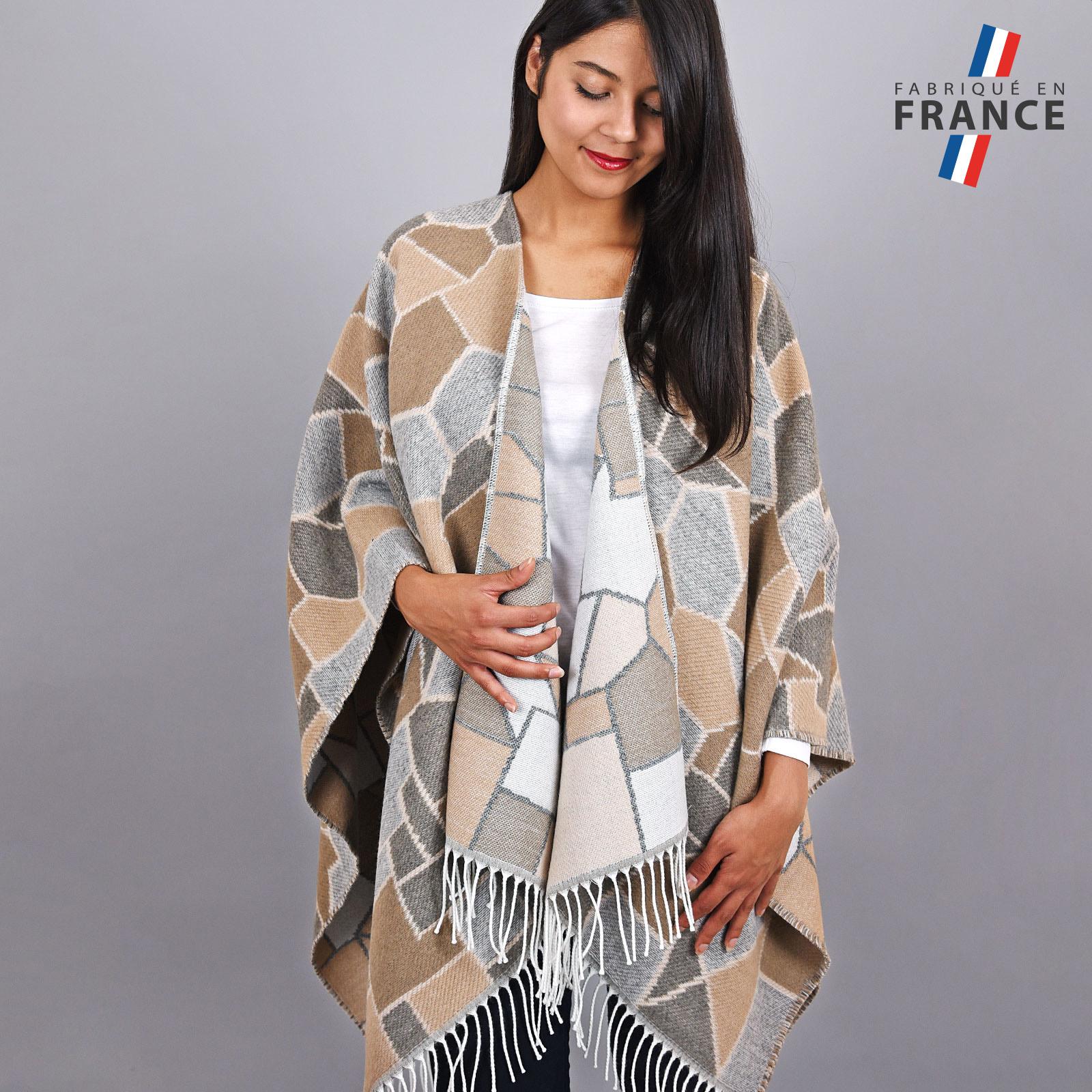 AT-03959-VF16-FR-poncho-femme-beige-carreaux