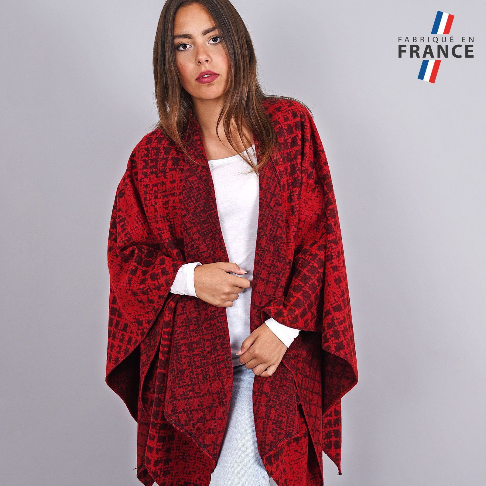 AT-03970-VF16-FR-pancho-femme-rouge