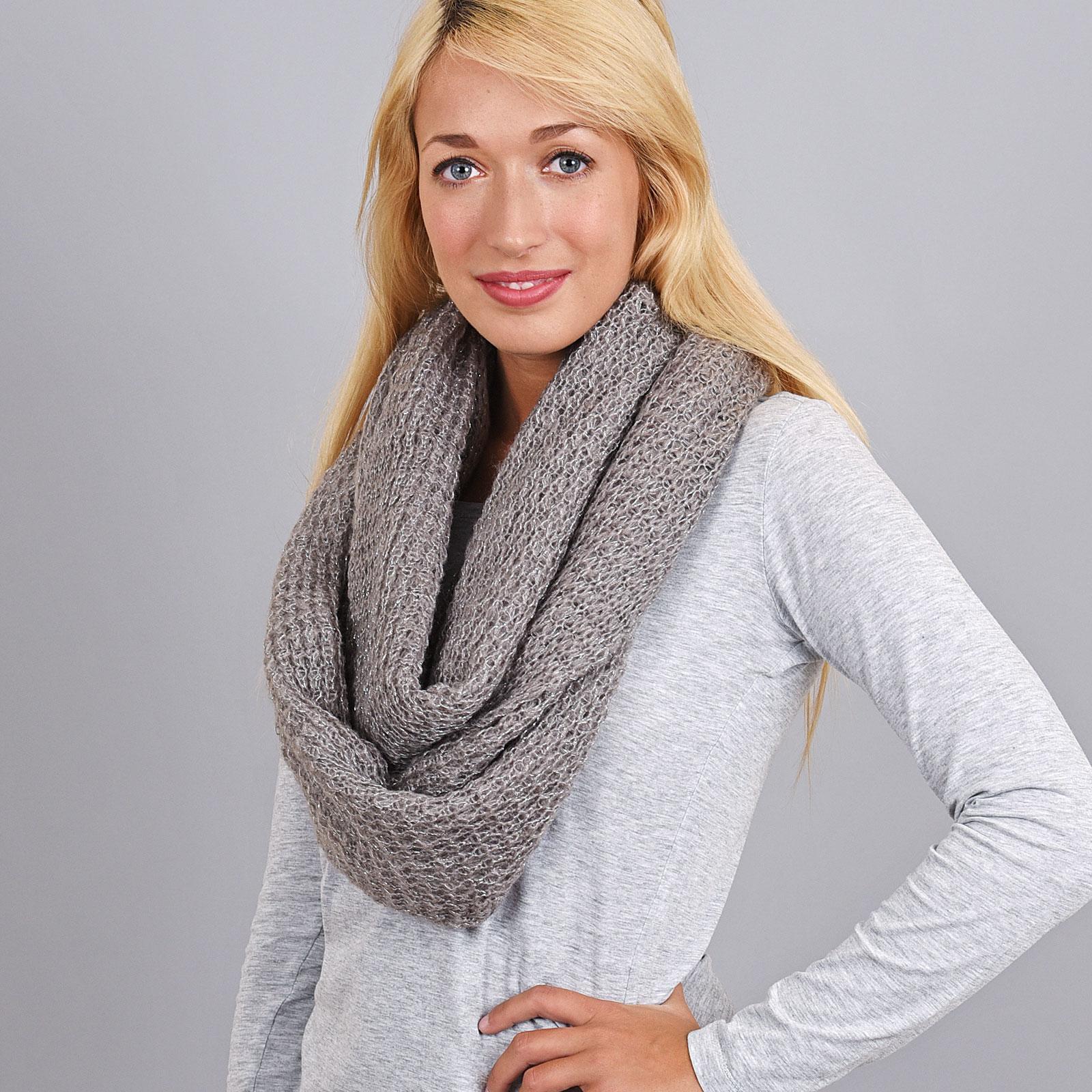 AT-04074-VF16-2-echarpe-femme-hiver-grise