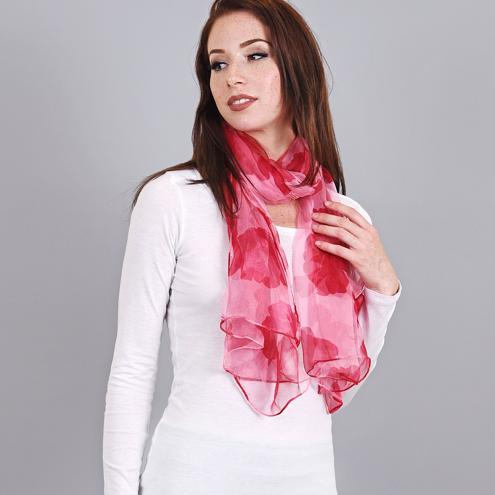 AT-03727-VF16-foulard-mousseline-soie-rose-coquelicots