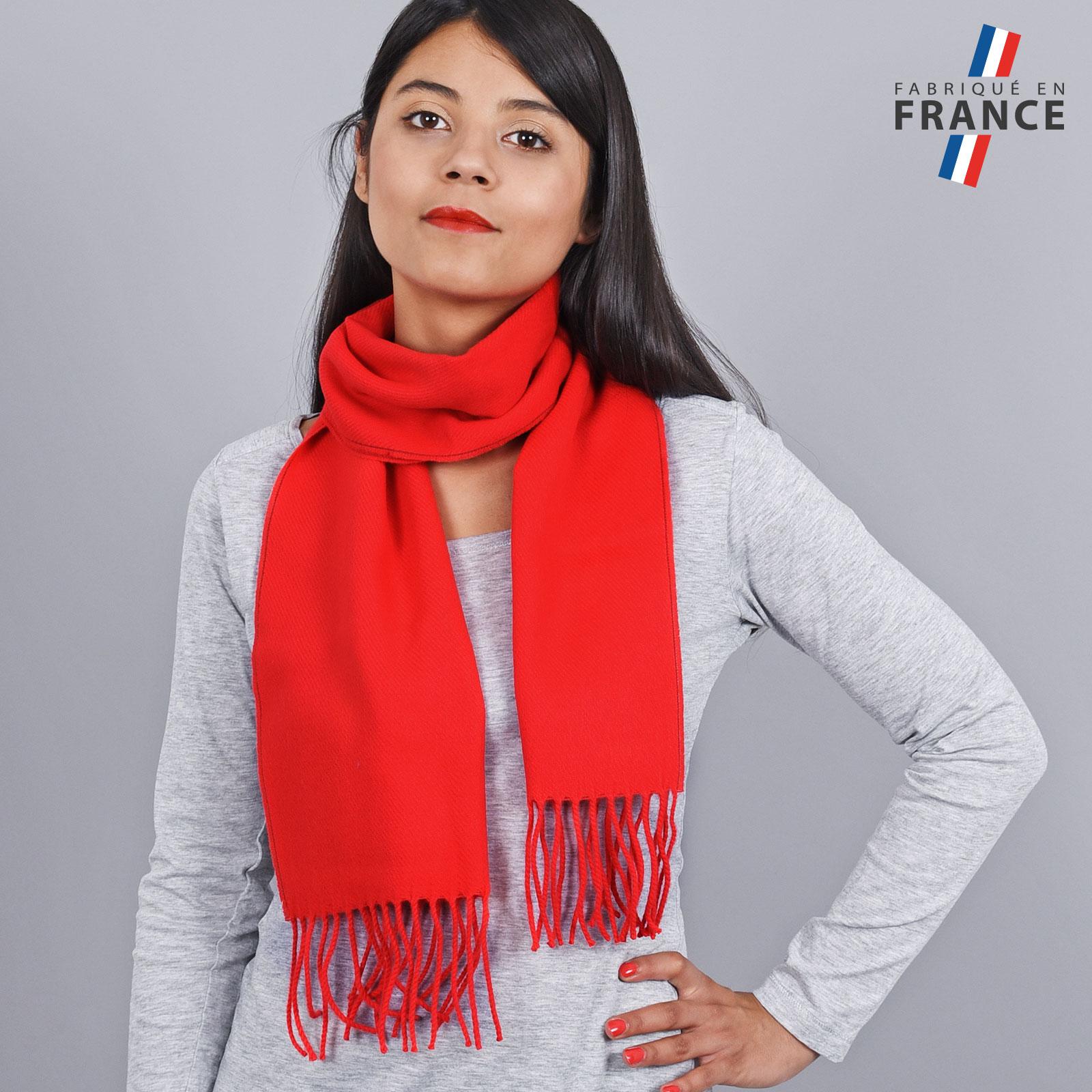 AT-03242-VF16-LB_FR-echarpe-franges-rouge-femme-fabrication-francaise