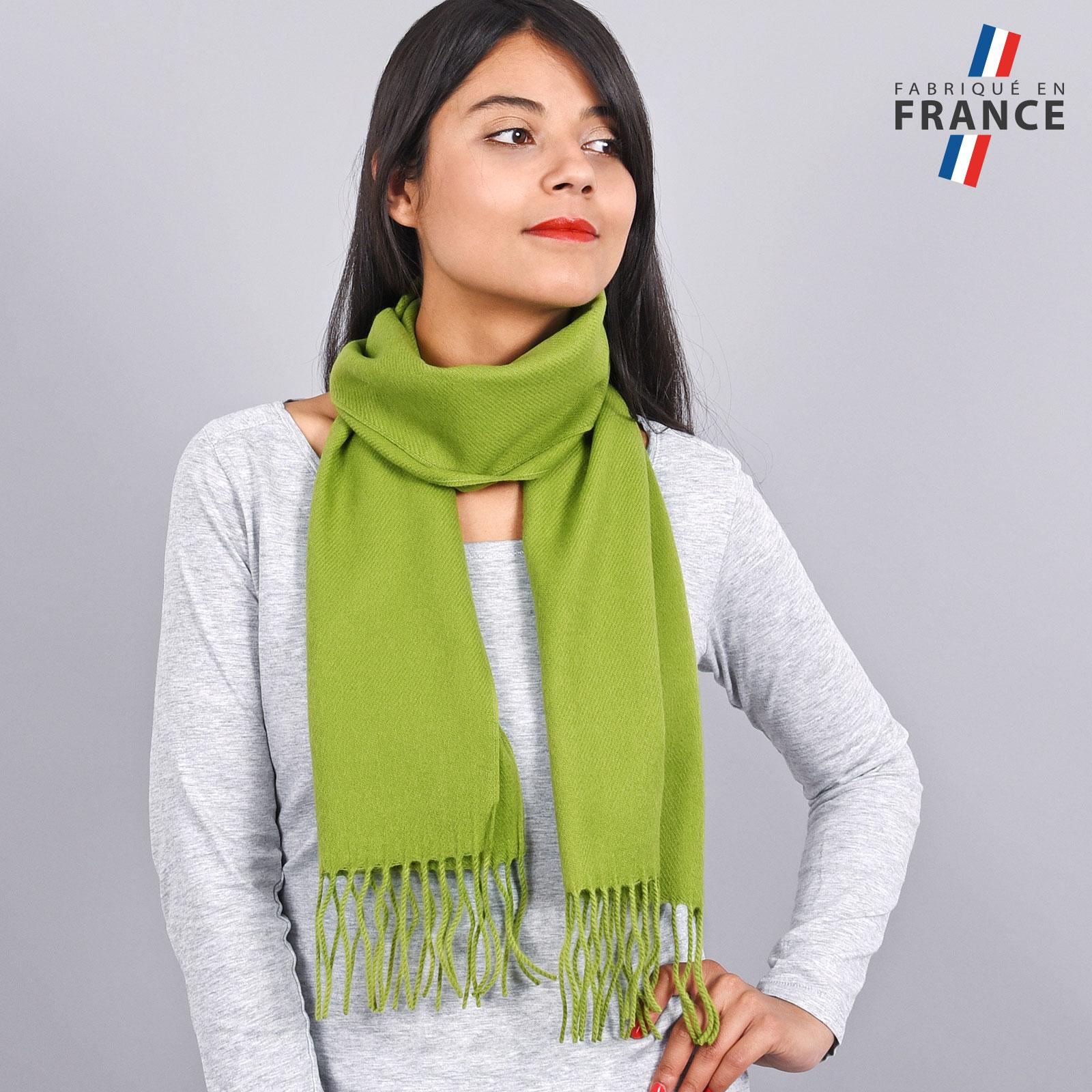 AT-03436-VF16-LB_FR-echarpe-franges-vert-femme-fabrication-francaise