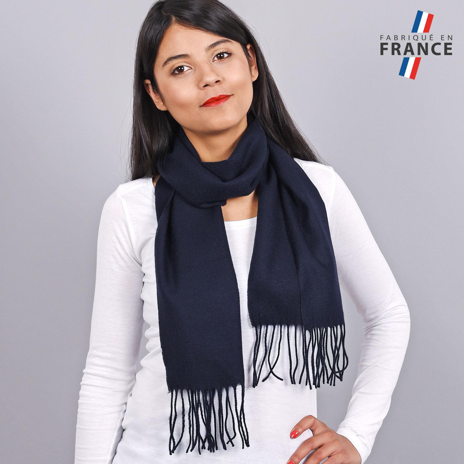 AT-03464-V16-LB_FR-echarpe-franges-bleu-marine-femme-fabrication-francaise