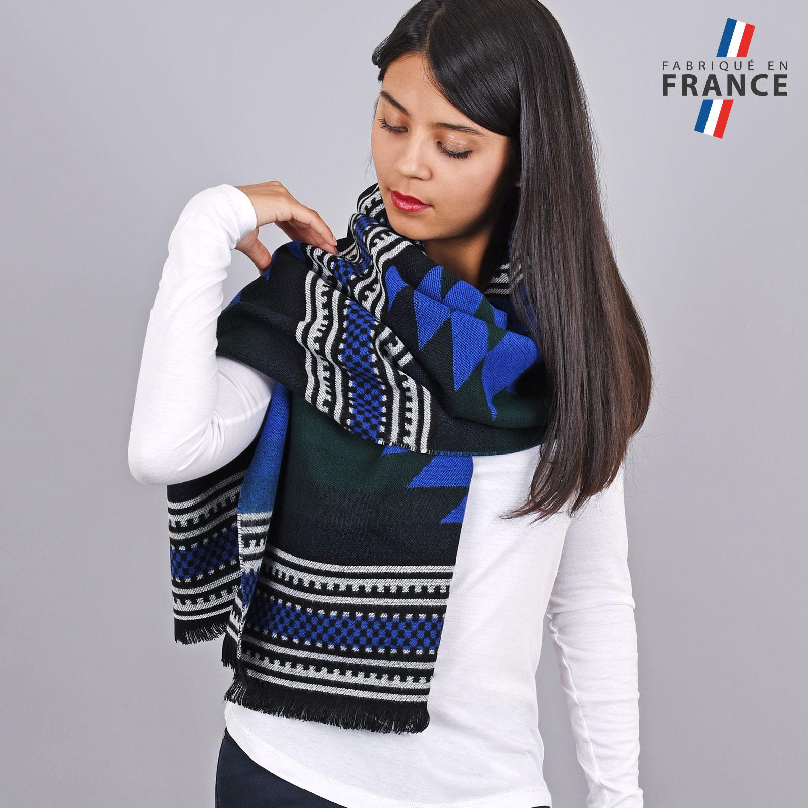 AT-04158-VF16-1-LB_FR-chale-hiver-bleu-marine