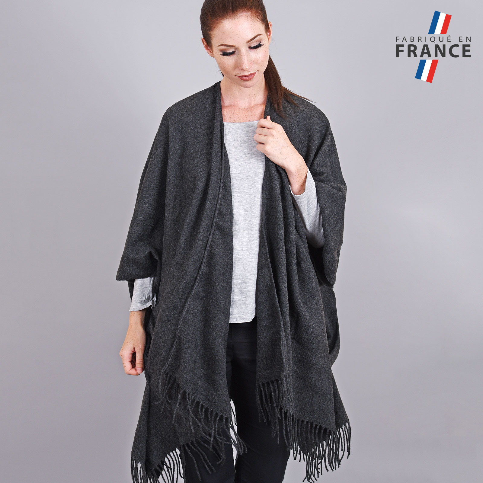 AT-03985-VF16-1-LB_FR-poncho-femme-hiver-larges-poches