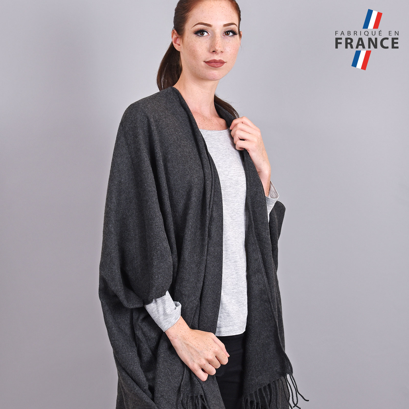 AT-03985-VF16-2-LB_FR-poncho-femme-hiver-larges-poches