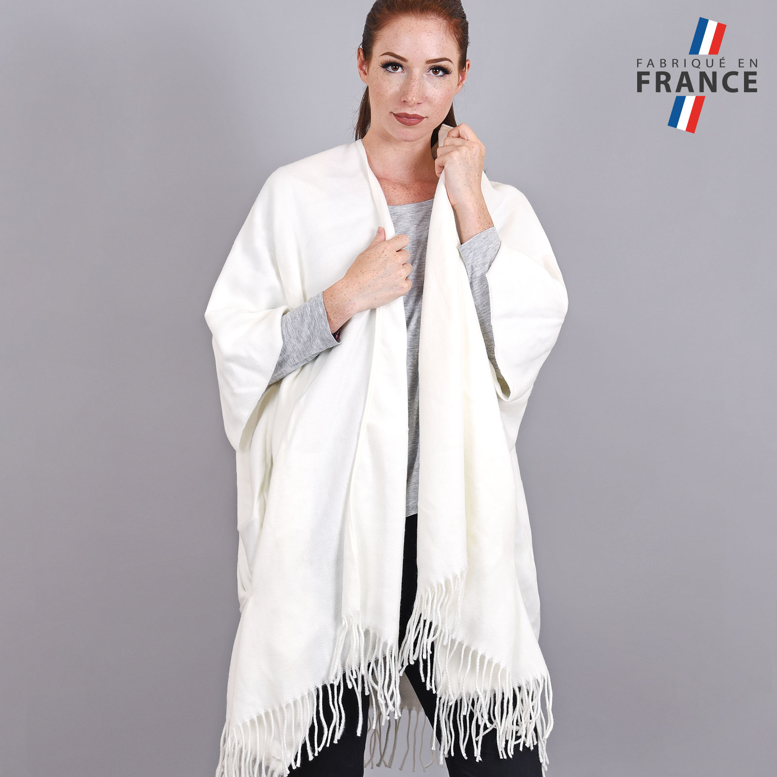 AT-03986-VF16-1-LB_FR-poncho-femme-hiver-larges-poches