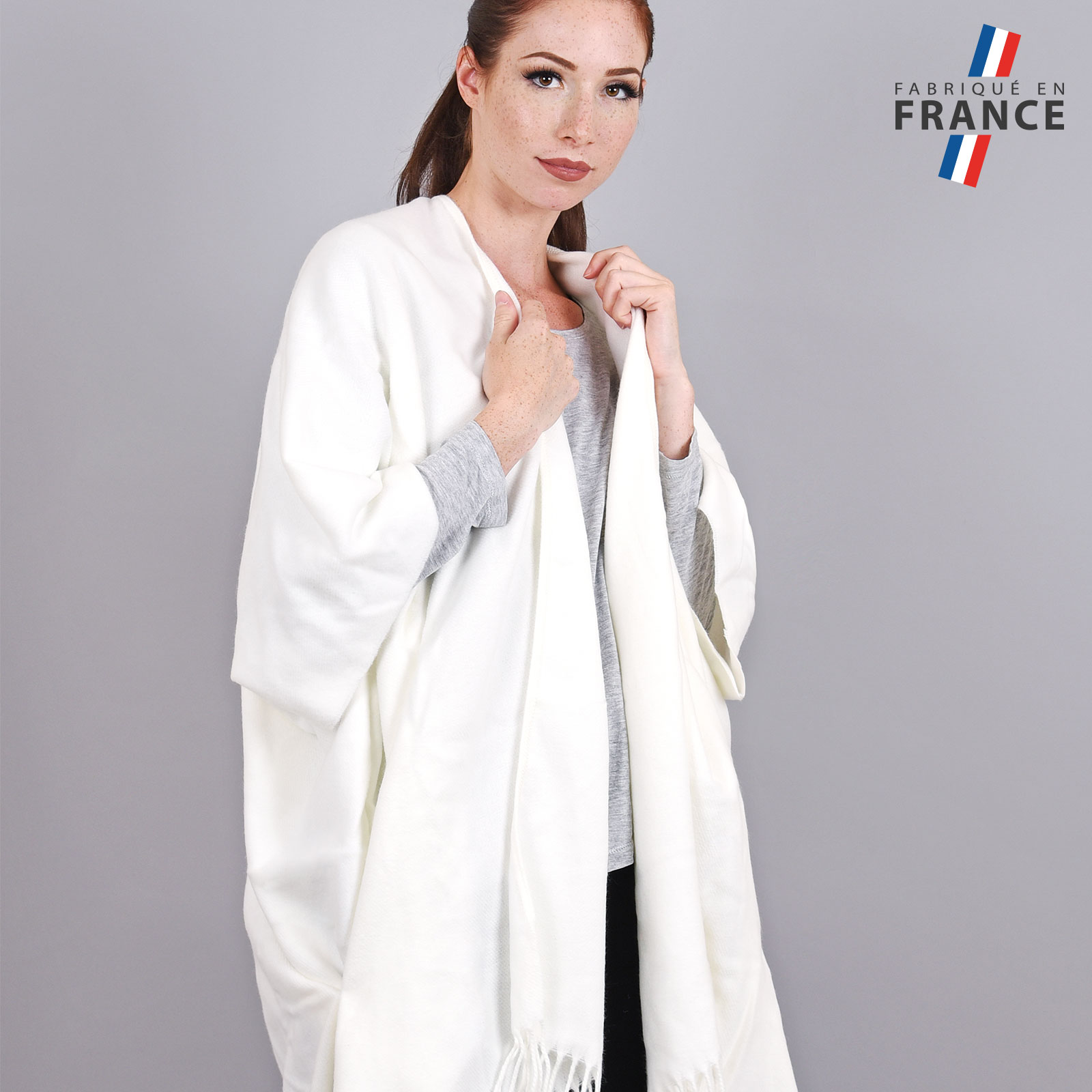 AT-03986-VF16-2-LB_FR-poncho-femme-hiver-larges-poches