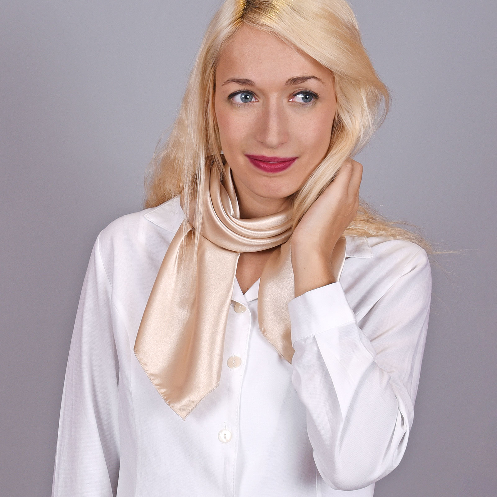 AT-04093-grand-foulard-hotesse-beige-VF16